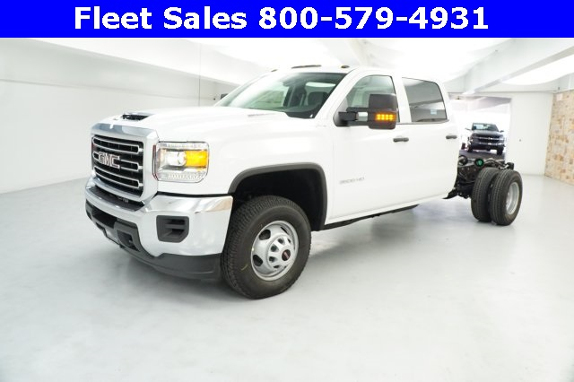 2018 Sierra 3500 Crew Cab 4x4 Cab Chassis #JF153232 - photo 3