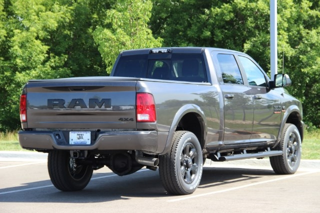 2017 Ram 3500 Crew Cab 4x4 Pickup #L17D711 - photo 2