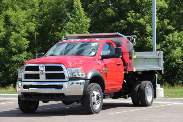 2017 Ram 5500 Regular Cab DRW 4x4 Dump Body #L17D737 - photo 4