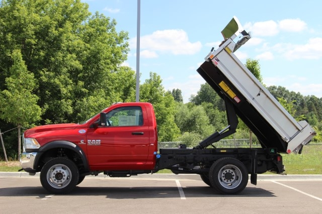 2017 Ram 5500 Regular Cab DRW 4x4 Dump Body #L17D737 - photo 5