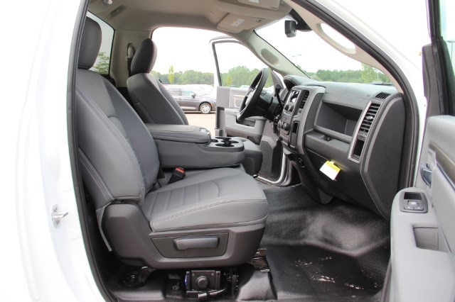 2017 Ram 3500 Regular Cab 4x4 Pickup #L17D862 - photo 14