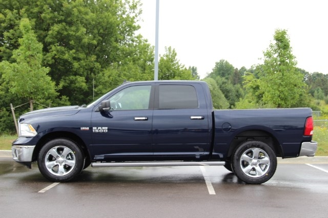2017 Ram 1500 Crew Cab 4x4 Pickup #L17D872 - photo 5