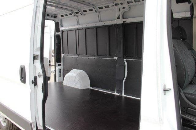 2018 ProMaster 2500 High Roof FWD,  Empty Cargo Van #L18A013 - photo 30