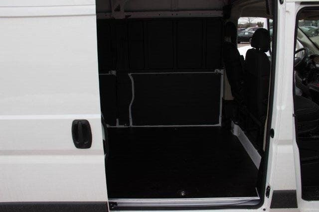 2018 ProMaster 1500 High Roof 4x2,  Empty Cargo Van #L18A019 - photo 15