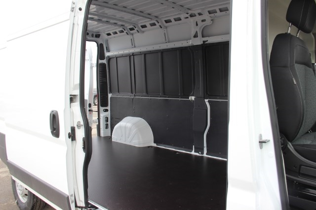 2018 ProMaster 2500 High Roof, Cargo Van #L18A039 - photo 13