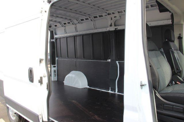 2018 ProMaster 3500 High Roof 4x2,  Empty Cargo Van #L18A042 - photo 13