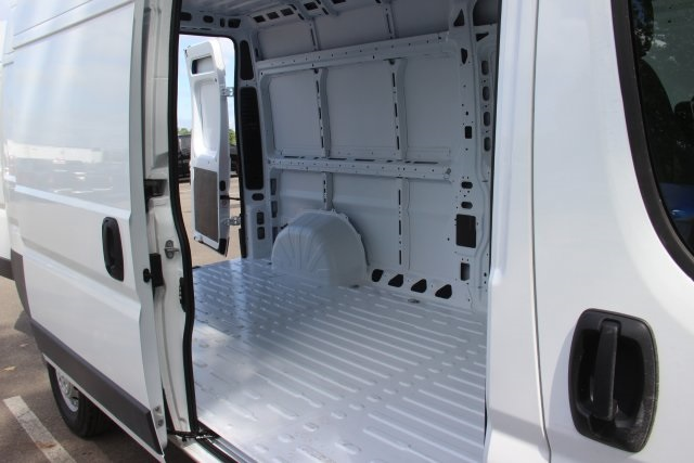 2018 ProMaster 2500 High Roof FWD,  Empty Cargo Van #L18A054 - photo 13