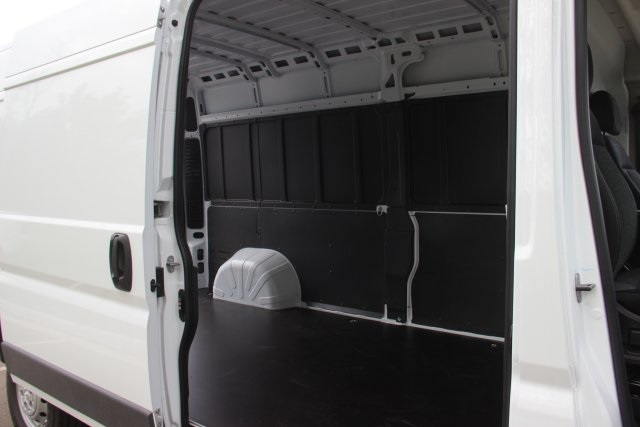 2018 ProMaster 2500 High Roof FWD,  Empty Cargo Van #L18A065 - photo 13