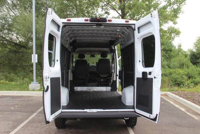 2018 ProMaster 2500 High Roof FWD,  Empty Cargo Van #L18A067 - photo 2