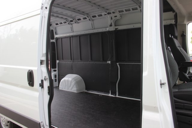 2018 ProMaster 2500 High Roof FWD,  Empty Cargo Van #L18A069 - photo 13