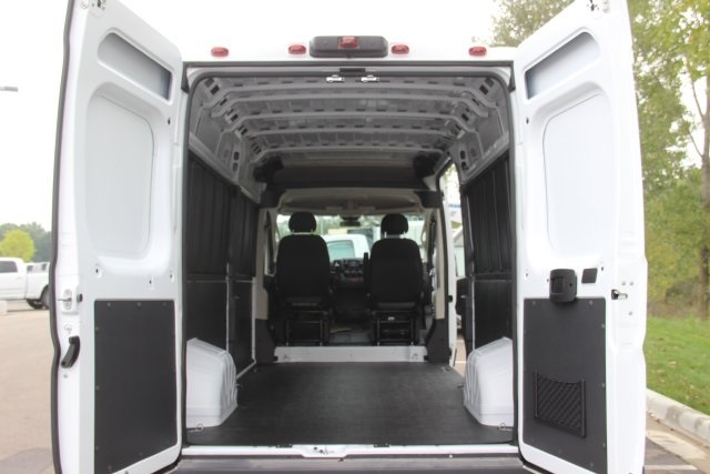 2018 ProMaster 2500 High Roof FWD,  Empty Cargo Van #L18A069 - photo 2