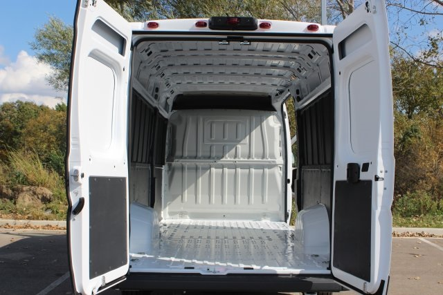 2018 ProMaster 3500 High Roof FWD,  Empty Cargo Van #L18A077 - photo 2