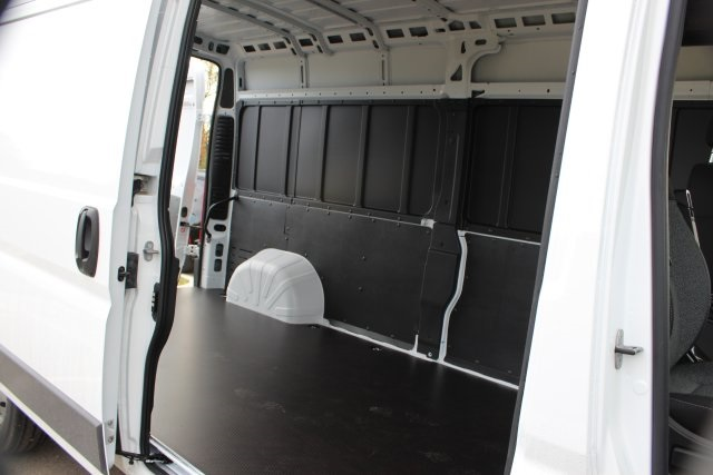 2018 ProMaster 2500 High Roof FWD,  Empty Cargo Van #L18A080 - photo 13