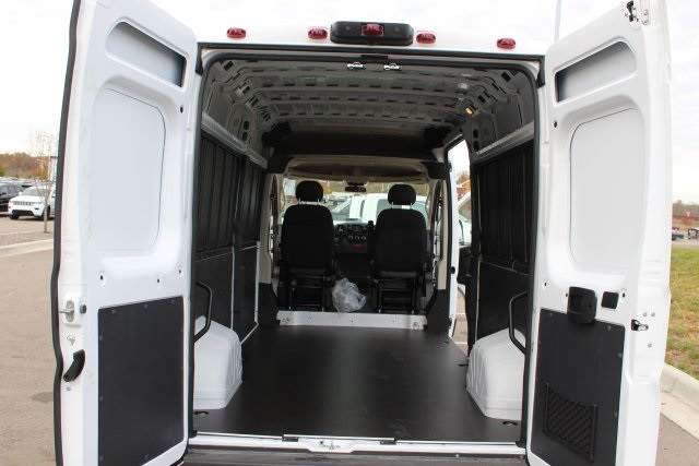 2018 ProMaster 2500 High Roof FWD,  Empty Cargo Van #L18A080 - photo 2