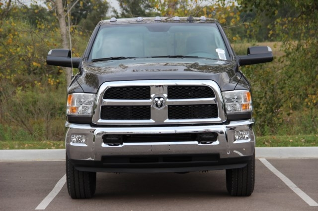 2018 Ram 3500 Regular Cab 4x4 Pickup #L18D005 - photo 3