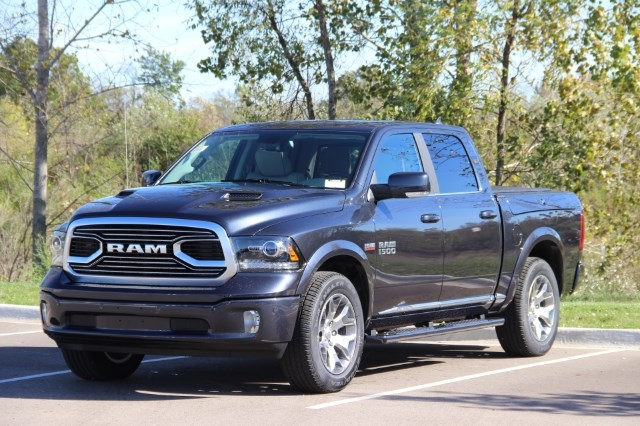 2018 Ram 1500 Crew Cab 4x4 Pickup #L18D032 - photo 4