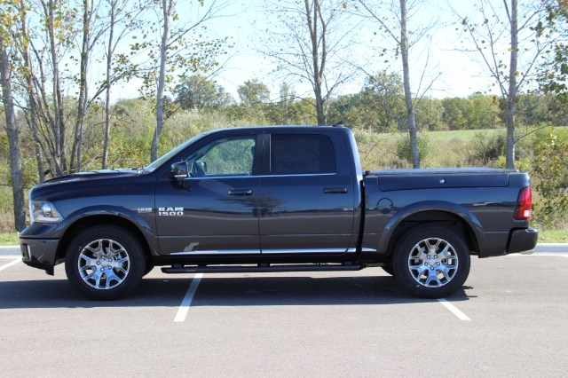 2018 Ram 1500 Crew Cab 4x4 Pickup #L18D032 - photo 5