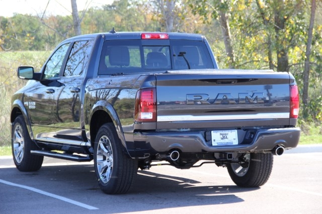 2018 Ram 1500 Crew Cab 4x4 Pickup #L18D032 - photo 6