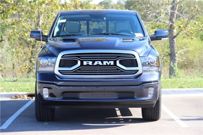 2018 Ram 1500 Crew Cab 4x4 Pickup #L18D032 - photo 3
