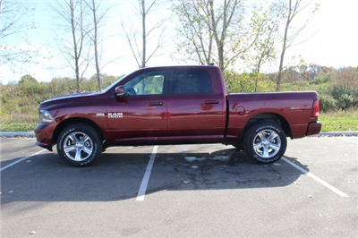2018 Ram 1500 Crew Cab 4x4 Pickup #L18D037 - photo 5