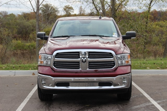2018 Ram 1500 Crew Cab 4x4 Pickup #L18D043 - photo 3
