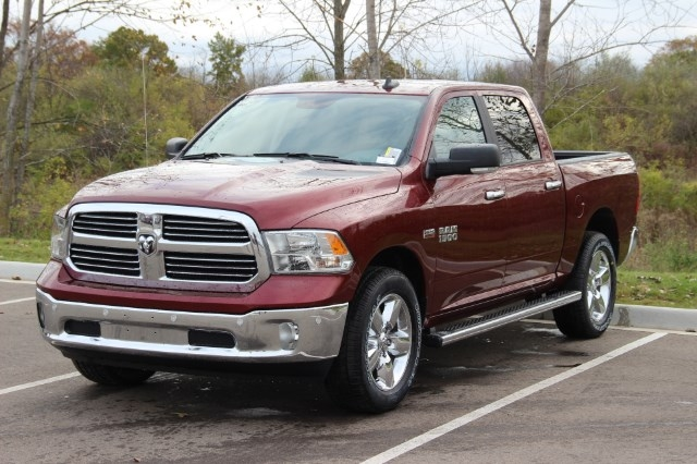 2018 Ram 1500 Crew Cab 4x4 Pickup #L18D043 - photo 4