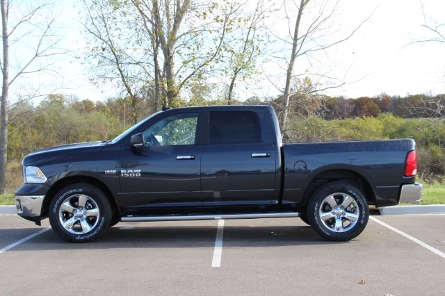 2018 Ram 1500 Crew Cab 4x4 Pickup #L18D044 - photo 5
