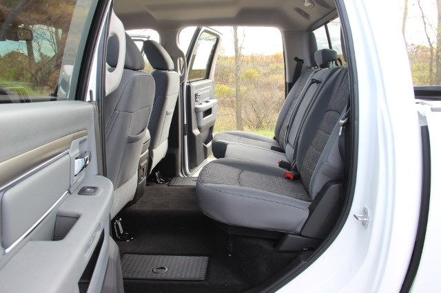 2018 Ram 1500 Crew Cab 4x4 Pickup #L18D045 - photo 12