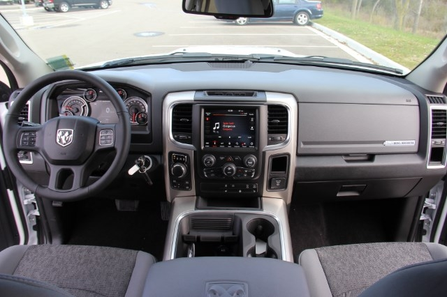 2018 Ram 1500 Crew Cab 4x4 Pickup #L18D045 - photo 16