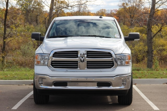 2018 Ram 1500 Crew Cab 4x4 Pickup #L18D045 - photo 3