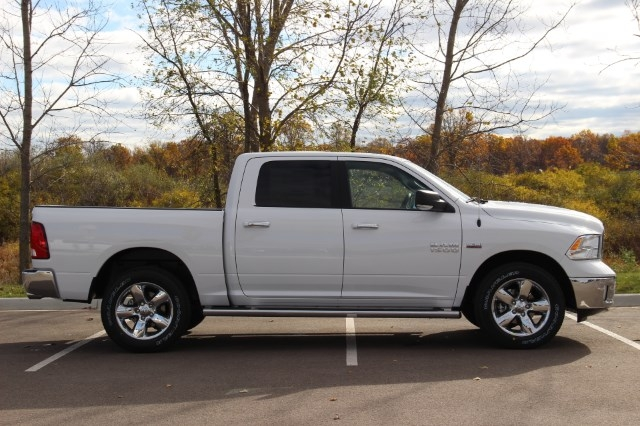 2018 Ram 1500 Crew Cab 4x4 Pickup #L18D045 - photo 8