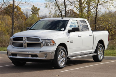 2018 Ram 1500 Crew Cab 4x4 Pickup #L18D045 - photo 4