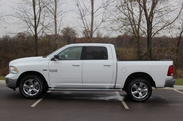 2018 Ram 1500 Crew Cab 4x4 Pickup #L18D046 - photo 5