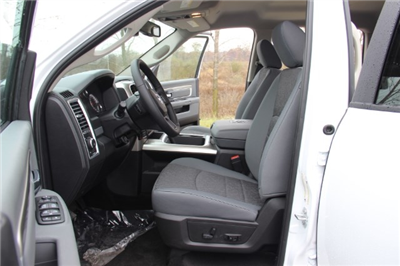 2018 Ram 1500 Crew Cab 4x4 Pickup #L18D046 - photo 10