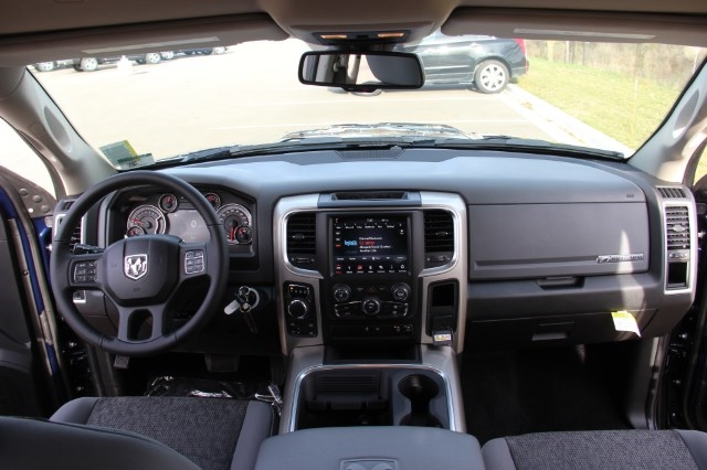 2018 Ram 1500 Crew Cab 4x4, Pickup #L18D063 - photo 16