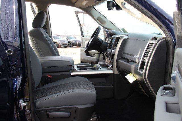 2018 Ram 1500 Crew Cab 4x4, Pickup #L18D063 - photo 28