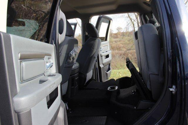 2018 Ram 1500 Crew Cab 4x4, Pickup #L18D063 - photo 30