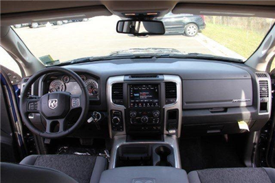2018 Ram 1500 Crew Cab 4x4, Pickup #L18D063 - photo 33