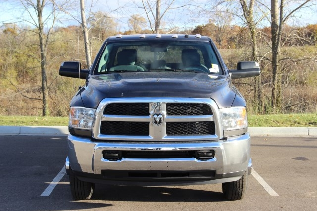 2018 Ram 3500 Crew Cab DRW 4x4 Pickup #L18D065 - photo 3