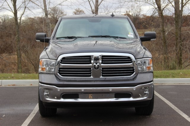 2018 Ram 1500 Crew Cab 4x4, Pickup #L18D078 - photo 3