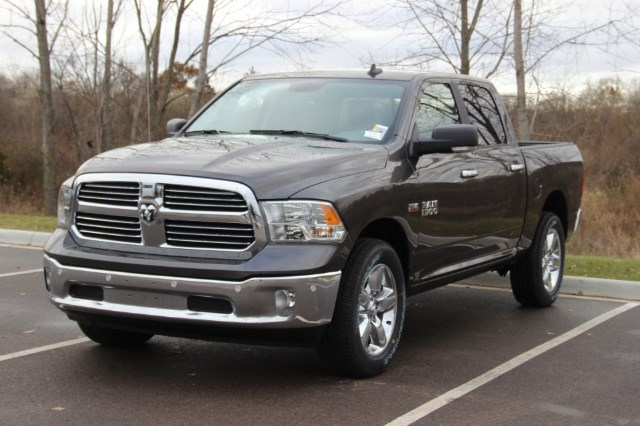 2018 Ram 1500 Crew Cab 4x4, Pickup #L18D078 - photo 4