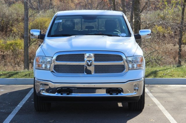 2018 Ram 1500 Crew Cab 4x4 Pickup #L18D085 - photo 3