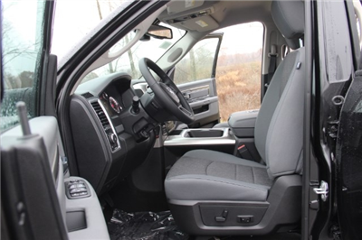 2018 Ram 1500 Crew Cab 4x4, Pickup #L18D108 - photo 10