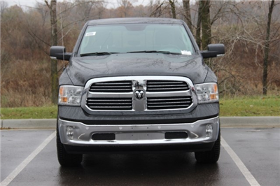 2018 Ram 1500 Crew Cab 4x4, Pickup #L18D108 - photo 3