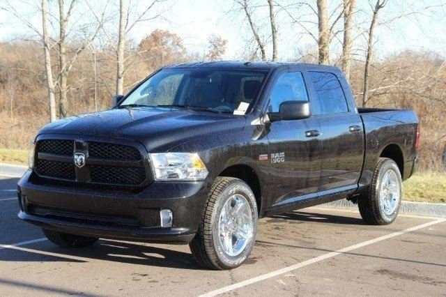 2018 Ram 1500 Crew Cab 4x4,  Pickup #L18D124 - photo 4