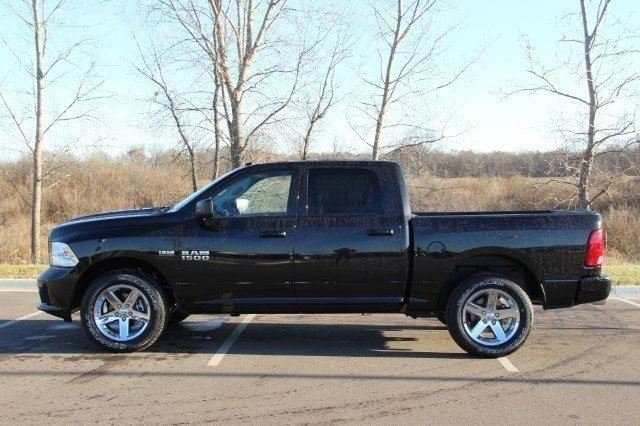 2018 Ram 1500 Crew Cab 4x4,  Pickup #L18D124 - photo 5