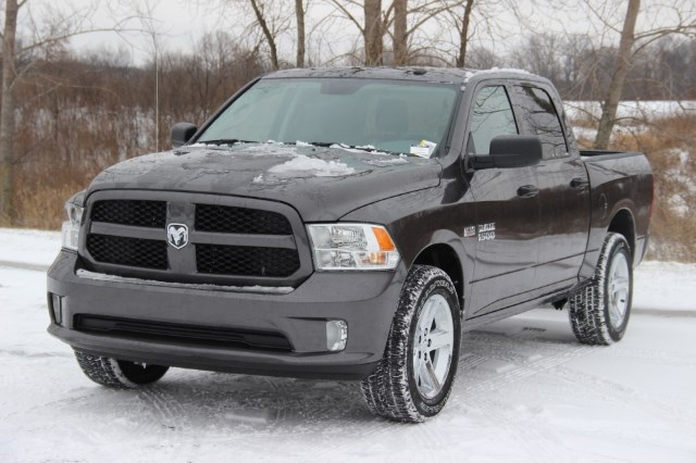 2018 Ram 1500 Crew Cab 4x4 Pickup #L18D159 - photo 4