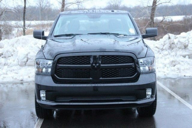 2018 Ram 1500 Crew Cab 4x4,  Pickup #L18D177 - photo 3