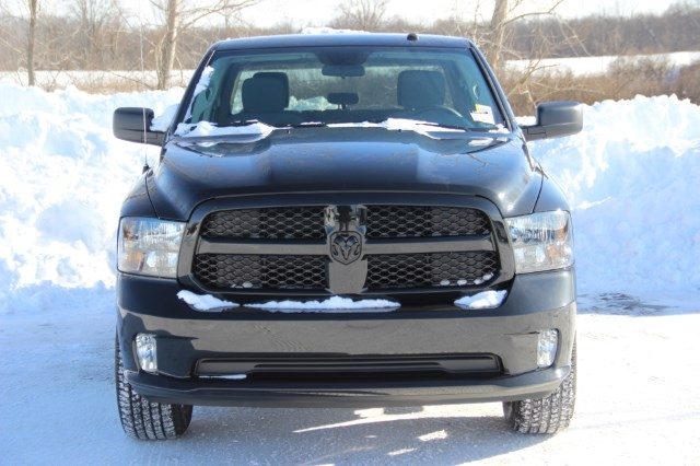 2018 Ram 1500 Crew Cab 4x4, Pickup #L18D181 - photo 3