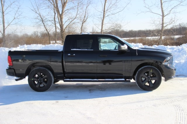 2018 Ram 1500 Crew Cab 4x4, Pickup #L18D181 - photo 8